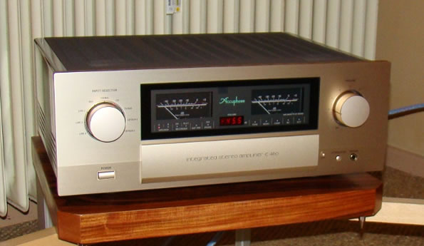 Accuphase E-460 Front