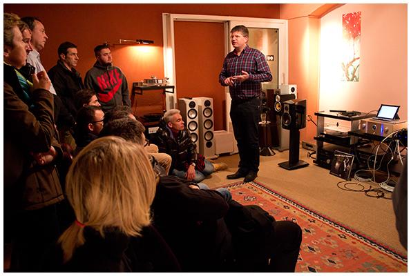 Jo Thiel von Audioquest erläutert das Thema Netzwerkkabel