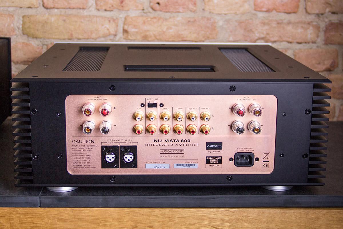 Reduziert auf's absolut Wesentliche: Die Rückseite des Musical Fidelity NuVista 800