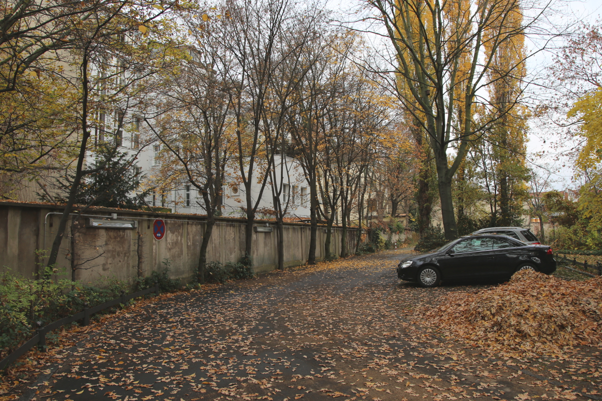 hinterhof-rathaus-parkplatz