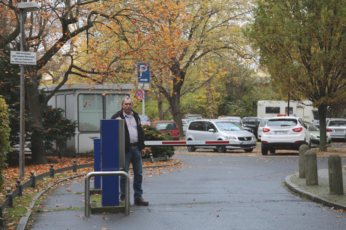 schranke-rathaus-parkplatz