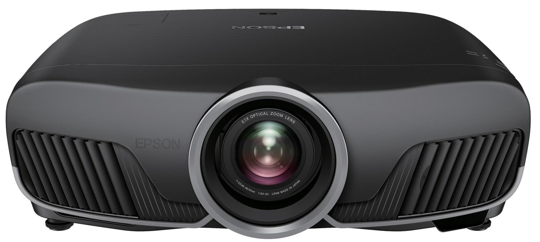 Epson hat den EH-TW9300 mit einem schwarzen Gehäuse designt