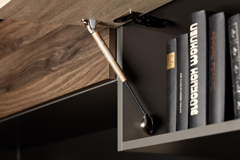Mit der Push-to-Open-Funktion lassen sich die Möbel auch ohne Griffe öffnen
