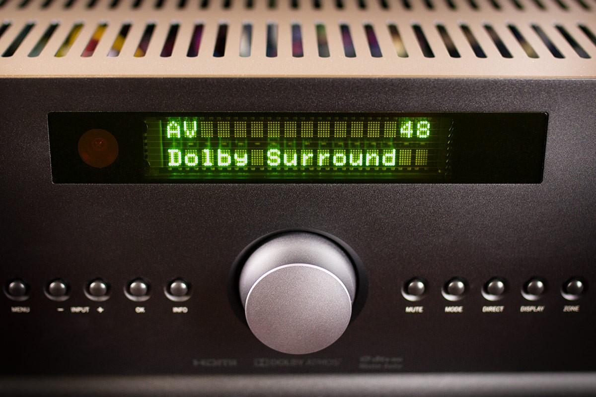Beherrscht auch Dolby Atmos und DTS:X Der Arcam AVR550