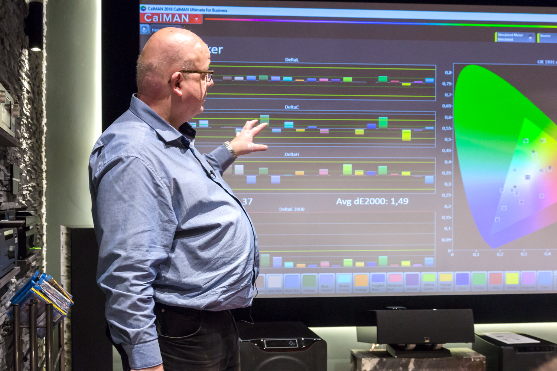 hifi-im-hinterhof-berlin-av-consultant-raphael-vogt-projektor-kalibrierung-workshop-2017-3