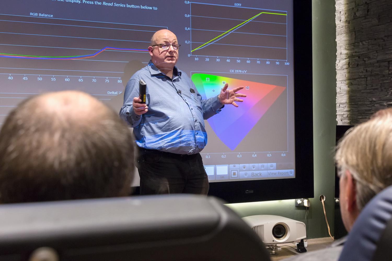 hifi-im-hinterhof-berlin-av-consultant-raphael-vogt-projektor-kalibrierung-workshop-2017-7