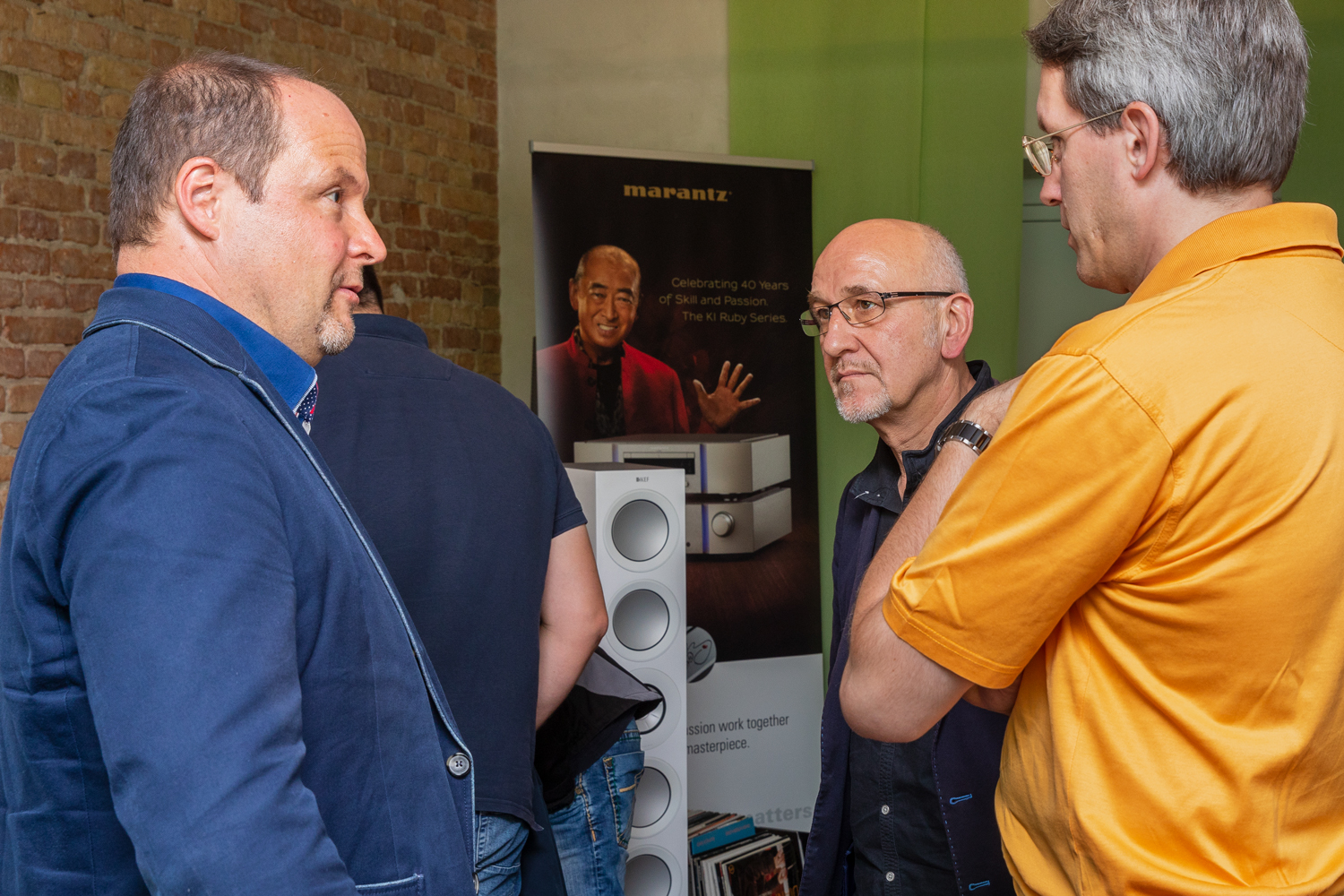 hifi-im-hinterhof-berlin-hifi-and-friends-messe-2018-kef-marantz-7