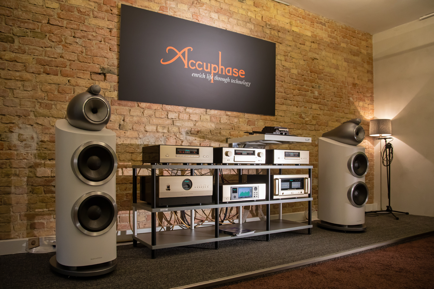 accuphase c 3850 hifi and friends. Black Bedroom Furniture Sets. Home Design Ideas