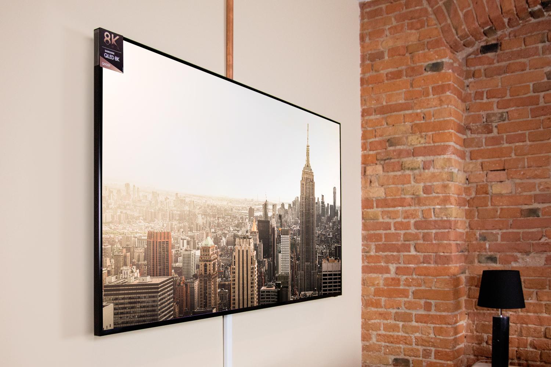 Auch ein seitlicher Betrachtungswinkel kann dem Bild des Samsung Q900R wenig anhaben