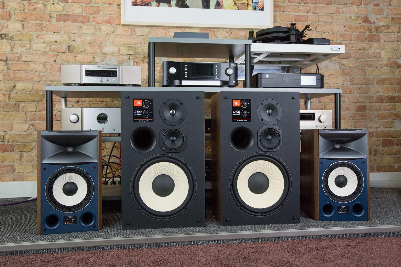 Unverwechselbares Aussehen, einmaliger Sound: JBL L100 Classic und JBL 4306