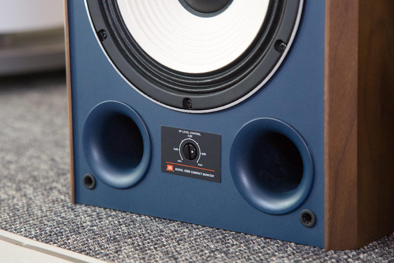 Die Klangregelung des JBL 4306