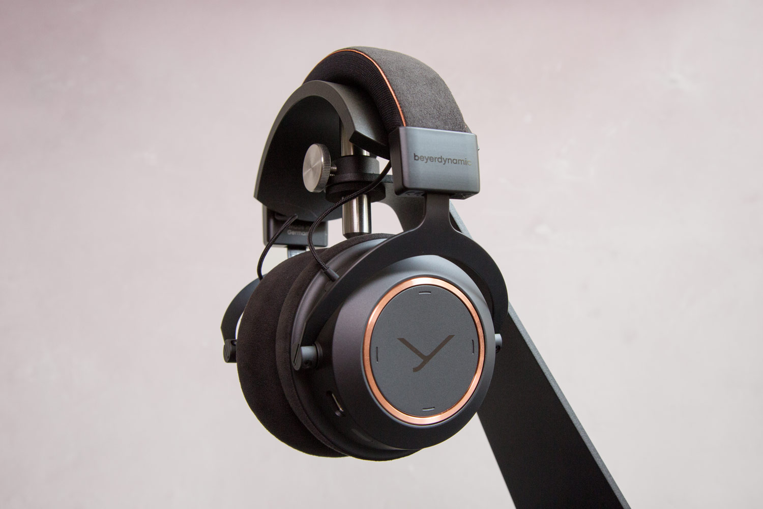 Der Beyerdynamic Amiron Wireless Copper bei HiFi im Hinterhof