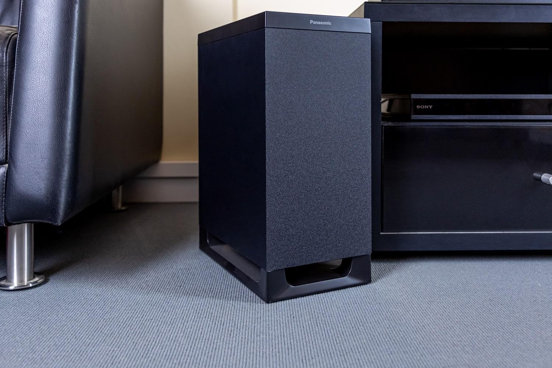 Auch der Subwoofer der Panasonic SC-HTB900 kann sich hören lassen