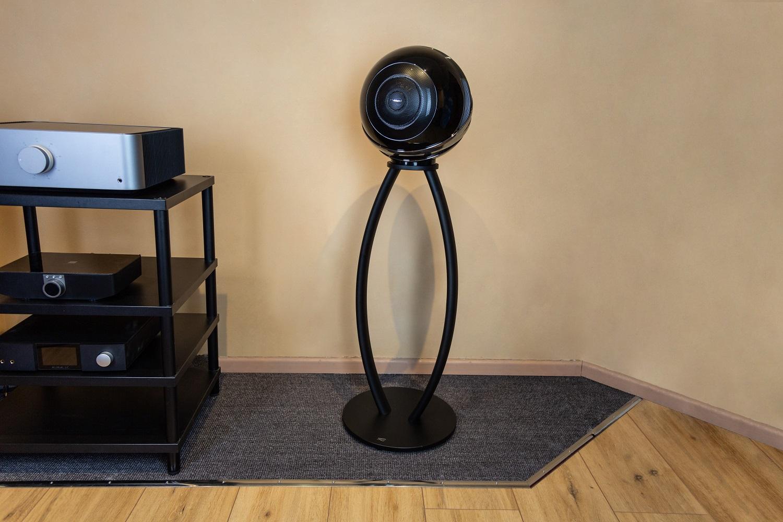 Der futuristisch anmutende Lautsprecher The Pearl von Cabasse