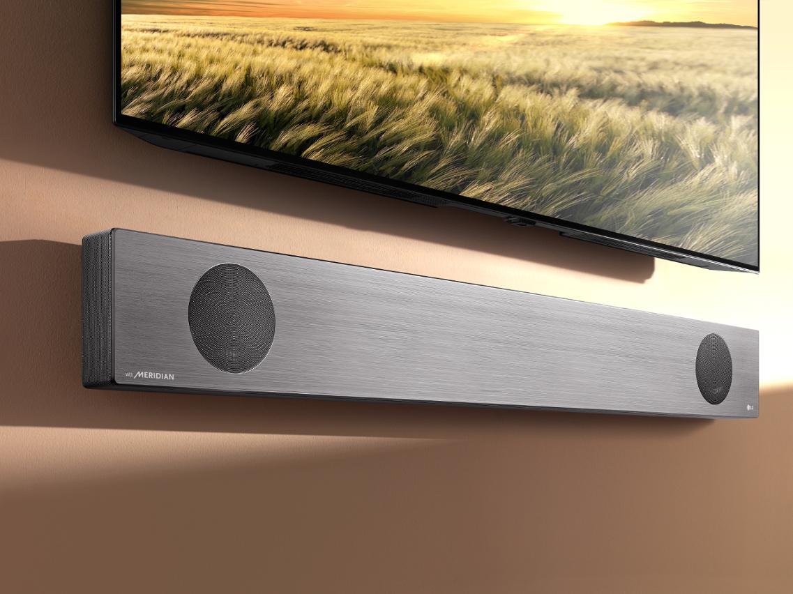 Auch schick an der Wand: Die LG SL10YG Soundbar
